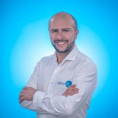 CARLOS BRIÑEZ, CEO Y FUNDADOR FÓKUSZ